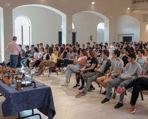 Conferencia Escuelas Ave María