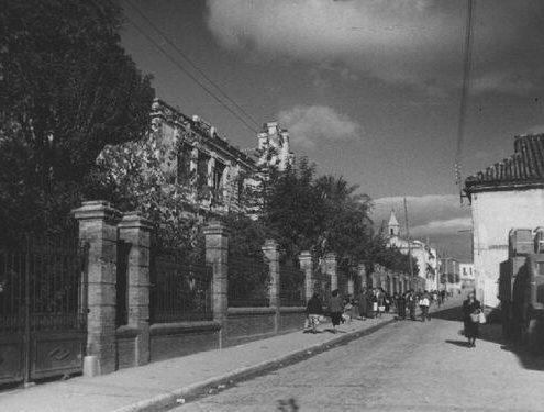 Fachada del grupo escolar Bergamín. Archivo Municipal de Málaga.